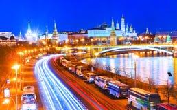 Kreml i Moskva på natten Royaltyfria Foton