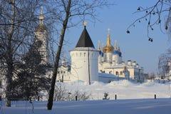 Kremlin de Tobolsk, Tobolsk, Sibéria, Rússia Vista do jardim de Yermak imagem de stock royalty free