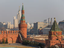 Kremlin em Moscou (Rússia) no por do sol imagem de stock royalty free