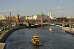 Kremlin et Moscou-Fleuve Photographie stock libre de droits