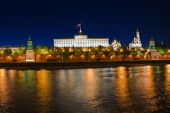 Kremlin a Mosca alla notte Fotografie Stock Libere da Diritti