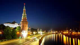 kremlin moscow Утро зимы, рассвет Замороженное река Москвы Обваловка Кремля сток-видео