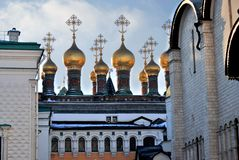 kremlin moscow Färgfoto Terem kyrkor royaltyfri foto