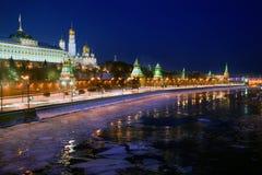 kremlin moscow natt Arkivbilder