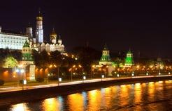 kremlin moscow natt Fotografering för Bildbyråer