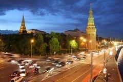 kremlin moscow natt russia Arkivfoton