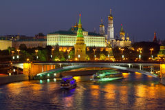 kremlin moscow natt russia Arkivfoto