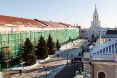 kremlin moscow night red spasskaya square tower άποψη από μακρυά και άποψη μέσω του παραθύρου Στοκ Εικόνα