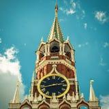 kremlin moscow spasskayatorn Arkivfoton