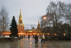 kremlin moscow spasskayatorn Färgfoto Royaltyfria Bilder