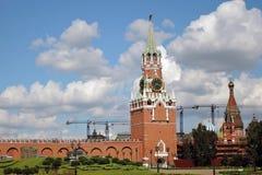 kremlin moscow torn för fyrkant för spasskaya för kremlin moscow natt rött Färgfoto Arkivbilder
