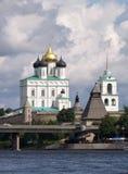 kremlin Pskov rzeka Obrazy Royalty Free