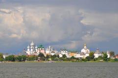 Kremlin sur le lac Nero en Rostov le grand photographie stock