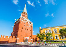 Kremlin tour 7: Tourists enter the Kremlin Royalty Free Stock Photography