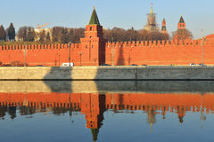 Kremlin Wall and reflection in Moskva river Royalty Free Stock Photos