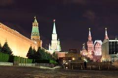 Kremlin wall, Senate tower, Nikolskaya tower, Historical museum Stock Photos