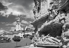Kremnica -巴洛克式的三位一体专栏的Safarikovo广场和细节Dionyz Ignac Stanetti 1765 - 1772 图库摄影