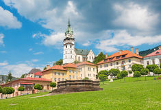 Kremnica - The Safarikovo square with fountain, castle and St. Catherine church stock photography