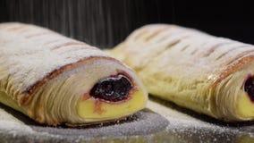 Kremowy kulebiak po piec zdjęcie wideo
