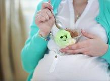 kremowy lodowy kobieta w ciąży Obraz Stock