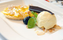 kremowy lodowy mangowy tarta Fotografia Royalty Free
