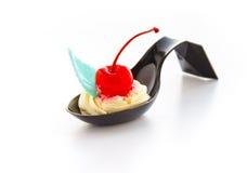kremowy wiśnia deser Zdjęcie Stock
