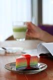 Krepp-Kuchen mit Tee Lizenzfreie Stockbilder