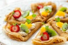 Krepps mit Früchten Stockbild