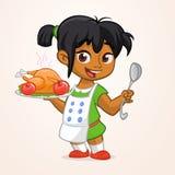Kreskówka śliczny mały arab lub amerykanin dziewczyna w fartuch porci piec dziękczynienie indyka Zdjęcie Stock