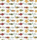 Kreskówka pociągany ręcznie bezszwowy podwodny wzór z ryba i m Fotografia Royalty Free
