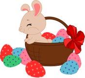 Kreskówka Wielkanocny królik w koszu Fotografia Royalty Free