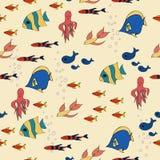 Kreskówka wzór z pasiastych ryba różnymi formami Royalty Ilustracja