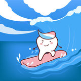 Kreskówka zębów surfować Zdjęcia Stock
