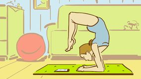 Kreskówki młoda kobieta W joga pozy zegarkach pastylka W Domu Fotografia Stock