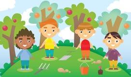Kreskówki wektorowa ilustracja cztery małej ogrodniczki z ogrodowymi narzędziami Bawić się w jardzie przyjaciele międzynarodowych Zdjęcia Stock