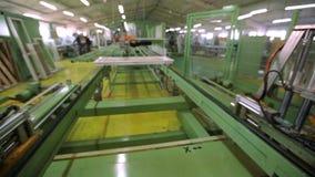 Kreskowa produkcja plastikowi okno pracująca maszyna dla manufaktury plastikowi okno zdjęcie wideo