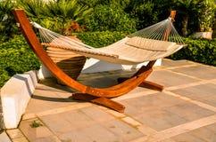 Kreta Grekland - hängmatta på den lyxiga exotiska semesterorten Royaltyfria Bilder