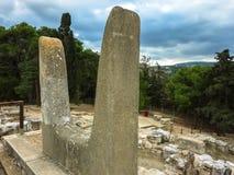 KRETA, GRIEKENLAND - November, 2017: Het embleem van het Minoan-koninkrijk bij het Paleis in Knossos in Kreta stock foto