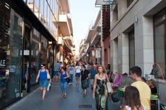 KRETA, 25 HERAKLION-JULI: Het winkelen straat Dedalou op 25,2014 Juli in Heraklion op Kreta De Daidaloustraat is een bedekte voet Royalty-vrije Stock Afbeelding