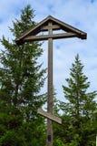Kreuz auf dem Berg Sekirnaya Stockfotos