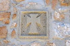 Kreuz auf der Wand Stockfoto