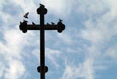 Kreuz auf einer griechisch-orthodoxen Kirche Lizenzfreies Stockfoto