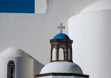 Kreuz auf einer Haube einer griechisch-orthodoxen Kirche Lizenzfreies Stockbild