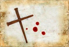 Kreuz der rostigen Nägel und der Blut-Tropfen auf Grunge stockfotos