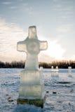 Kreuz gemacht vom Eis Lizenzfreie Stockfotografie