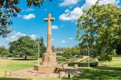 Kreuz von Opfer-Denkmal-Gärten Stockfotos