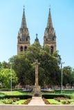 Kreuz von Opfer-Denkmal-Gärten Stockbilder