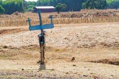 Kreuze durch die Straße in Äthiopien nahe Bahir Dar Stockbilder