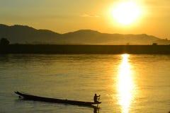 Kreuzen der Kong-Fluss Lizenzfreie Stockfotografie