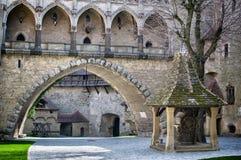 Kreuzenstein-Schloss in Österreich lizenzfreies stockbild